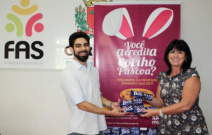 Páscoa Solidária recebe 500 caixas de chocolates da Fiep