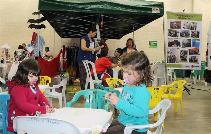 FAS trabalha para reduzir o risco social sobre a infância e fortalecer famílias