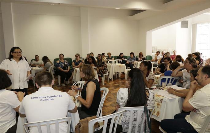 FAS capacita conselheiros tutelares para mediar conflitos