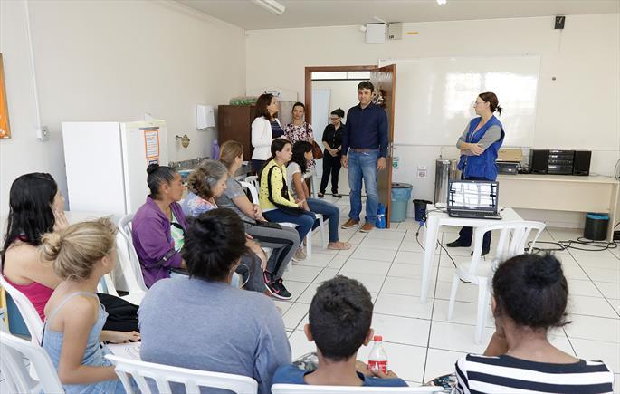 Thiago Ferro volta à Regional Pinheirinho para visitas a unidades